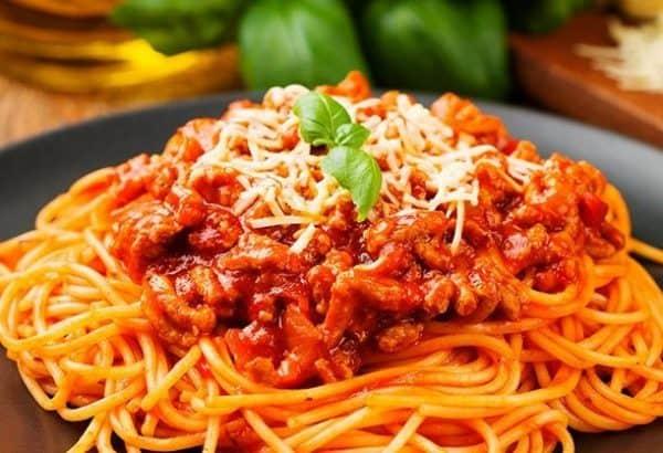 pasta-salsa-bolognesa-PIZBUR